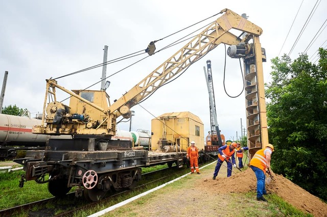 Началась электрификация железной дороги от Ковеля до польской границы