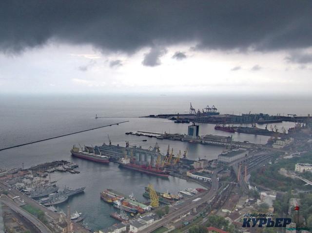 В порту Одессы продолжается сокращение перевалки грузов