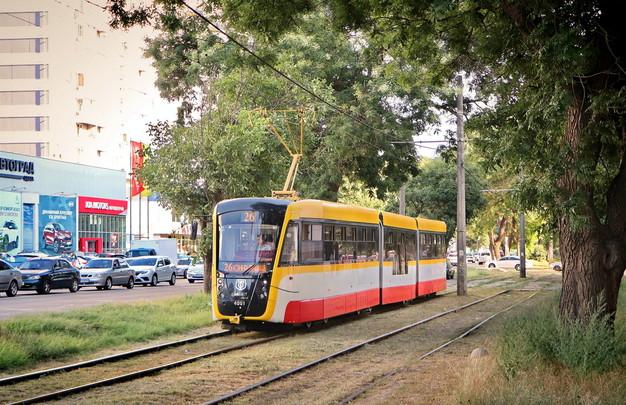 Для Днепра и Кривого Рога закупают новые низкопольные трамваи