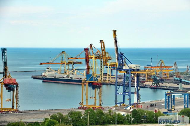 В порту Черноморск также сокращается грузооборот