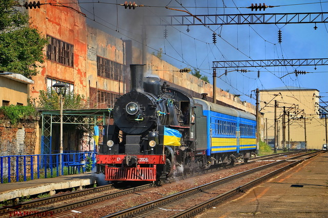 По Одессе ходил ретро-поезд с американским паровозом времен Второй мировой войны (ФОТО, ВИДЕО)