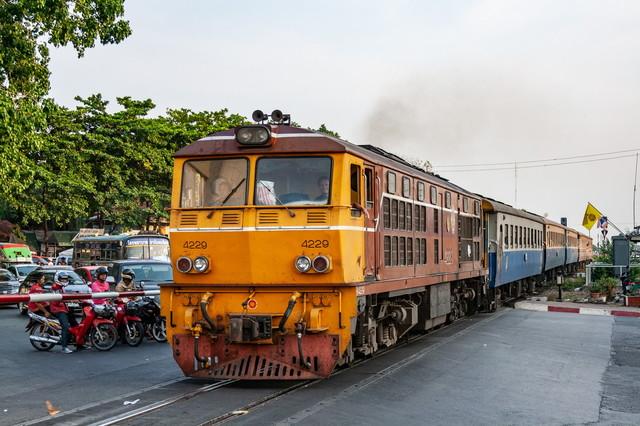 Железные дороги Таиланда начинают переход с тепловозов на аккумуляторные локомотивы
