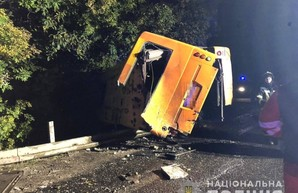 Под Одессой попал в аварию автобус: погибли два пассажира (ФОТО)