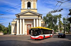 В Одессе изменили режим движения на Соборной площади